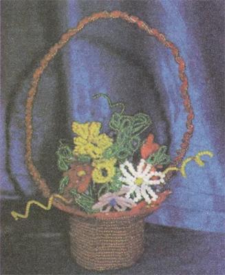 Кошик з квітами. Схеми квітів з бісеру