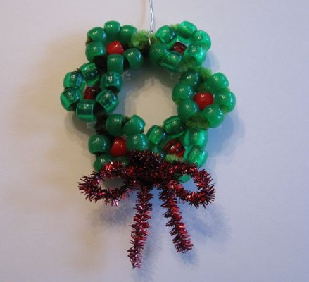 A simple garland of beads