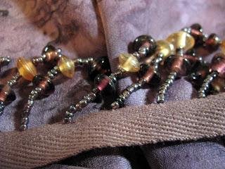 Как украсить шарф