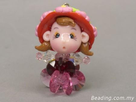 Милая куколка из бусин