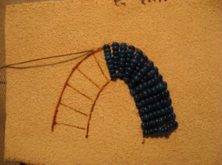 Вышиваем бисером. Урок третий.