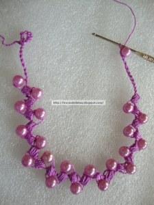 Tie necklace