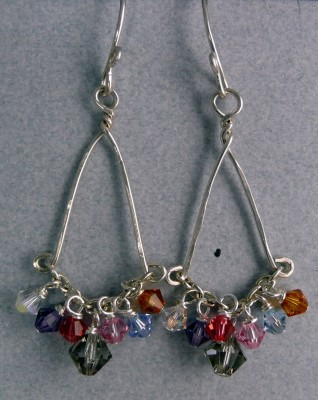 Earrings made of faceted bicone