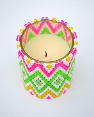 Яскравий свічник