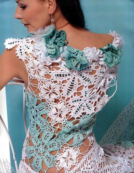 Ажурное платье связанное в техниках гипюрного и брюггского кружев