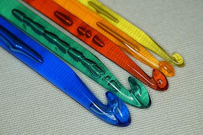 Плстмассовые крючки для вязания